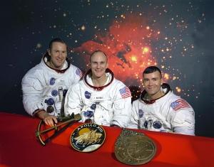 The_Original_Apollo_13_Prime_Crew_-_GPN-2000-001166