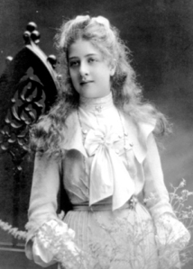 Daughter of Austrian automobile entrepreneur Emil Jellinek and his wife Rachel Goggmann Cenrobert. She is best known for her father having Daimler's Mercedes line of cars named after her, beginning with the Mercedes 35 hp model of 1901. Also, at the 1902 Paris Automobile exhibition, her father hung a large picture of her.