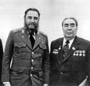 konstantin-chernenko-fidel-castro-cuba-ussr-soviet-leonid-brezhnev